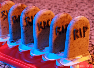 "Stay as ""Cool as a Corpse"" with Cookies and Scream Tombstone Popsicles!"
